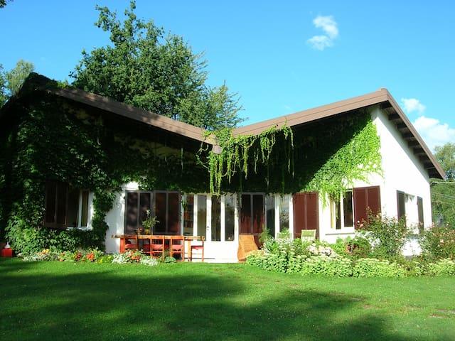 Villa a due passi dal lago di Como