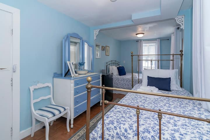 The Inn at Ocean Grove - Blue Willow
