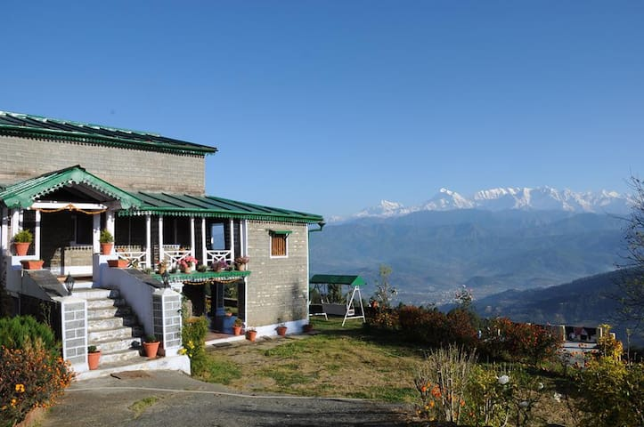 Aashritha - The Heritage Home Stay - Kausani State - Bungalow