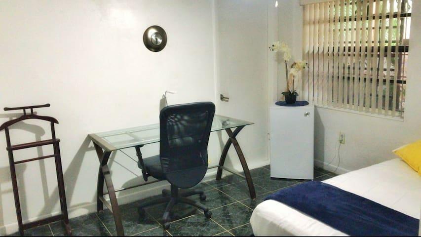 SNUG | MINIMALIST FULL BED NEAR DOLPHIN MALL | FIU