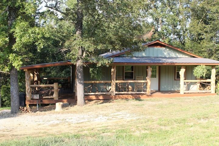 87Getaway Road House