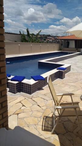 Espaço c/ piscina p/ eventos e festas na ZL de SP.