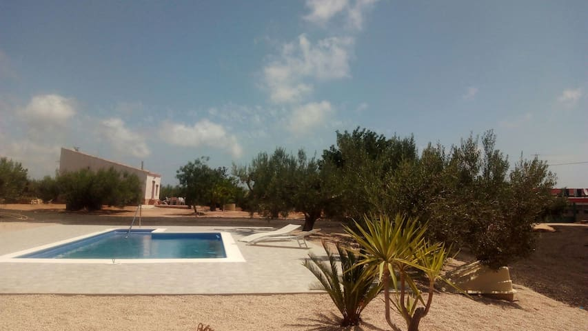 Casa Campo con piscina - L'Ampolla - Haus