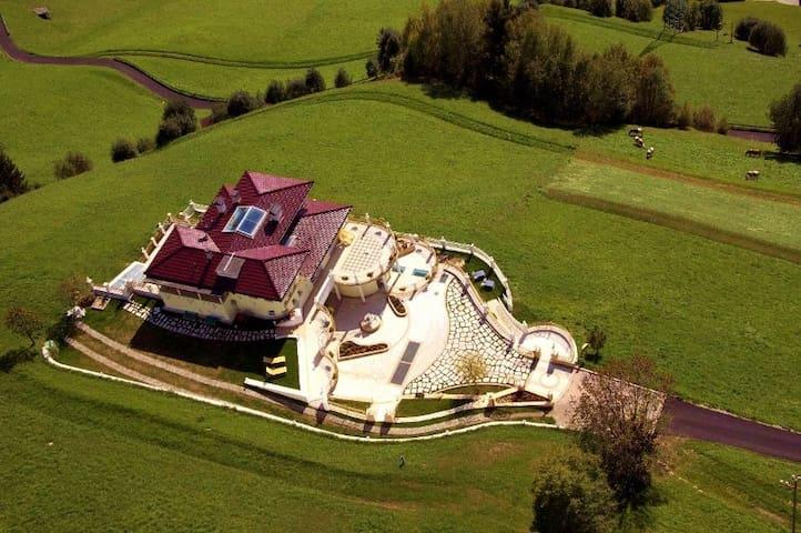 B&B Das Land-Palais | KRONPLATZ - Mühlwald - Villa