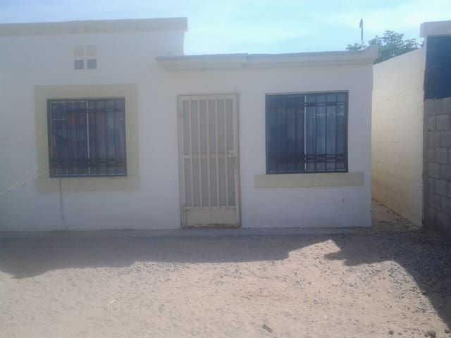room for rent for budget minded. - Ciudad Juárez - Ház