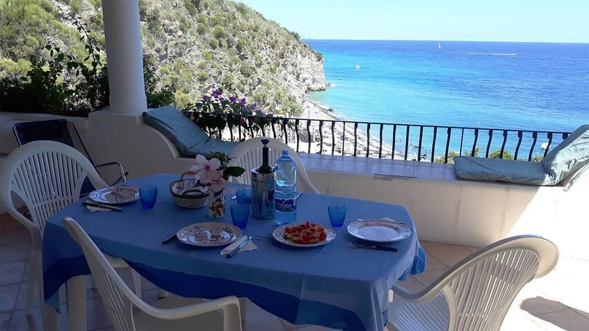 Casa Maddalena la terrazza eoliana sul mare per 4p - Canneto di Lipari - House