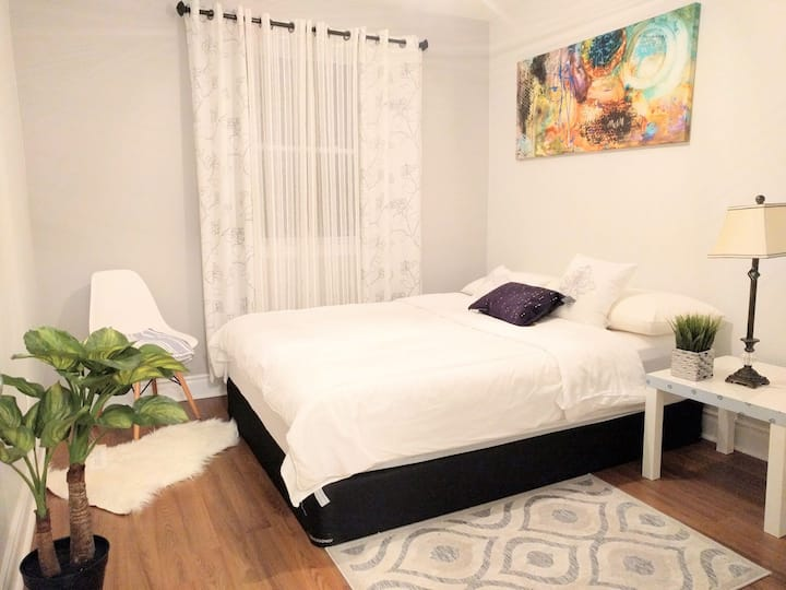 Spacious, Modern Room w/ Parking, in North York