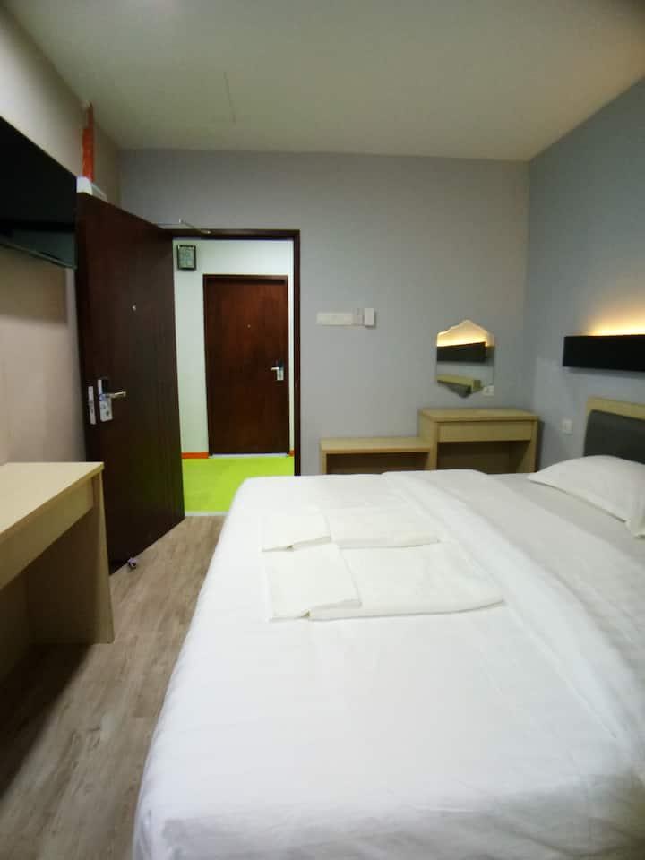 Unikarya Lodge 友家客栈218(温馨情侣房:带独立洗手间,建议入住2大1小)