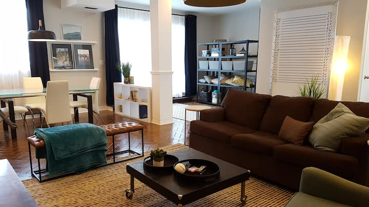 Big Loft. Central. Walk to Queens/Olympic Harbour
