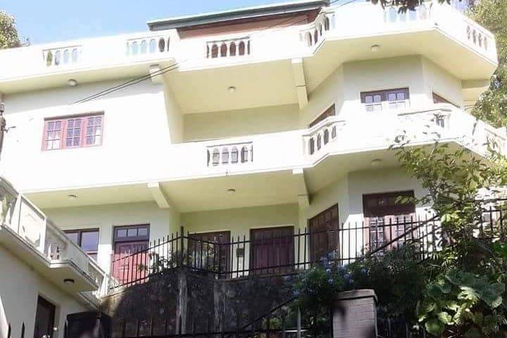Les Montagnes- Hotel house
