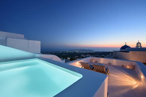 Sensation Villa with outdoor heated plunge pool