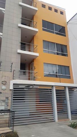 Apartamento Amable Bonito en Santa Maria del Pinar - Piura - Apartament