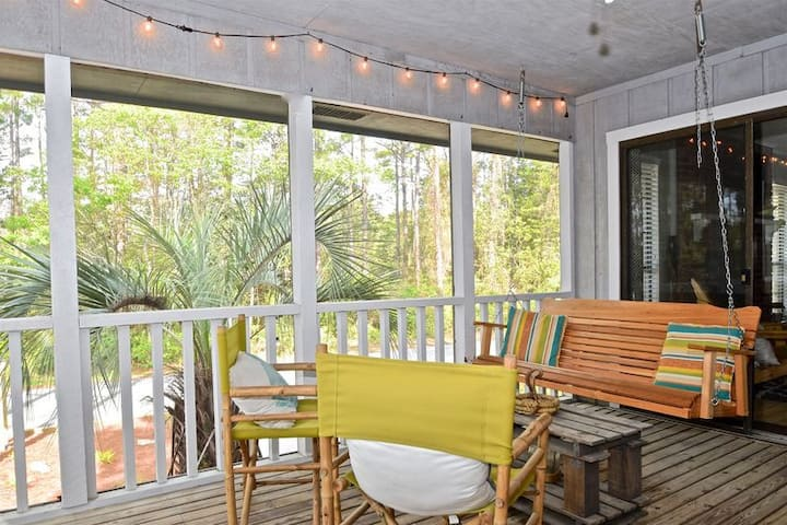 """Grayt Escape"" - Cozy 2 Bedroom in Grayton Beach - 4 Free Bikes with Rental - Sl"