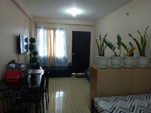 Cool & Cozy Affordable Staycation Condo in Cainta