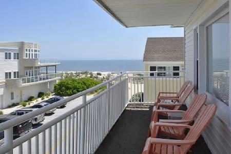 Ocean views, close to convention center, 3rd floor - Ocean City