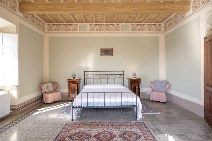 Camera Matrimoniale con possibilità di colazione - Chianni - Vila