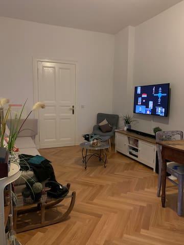 Doppelzimmer in Altbau mitten in Friedrichshain