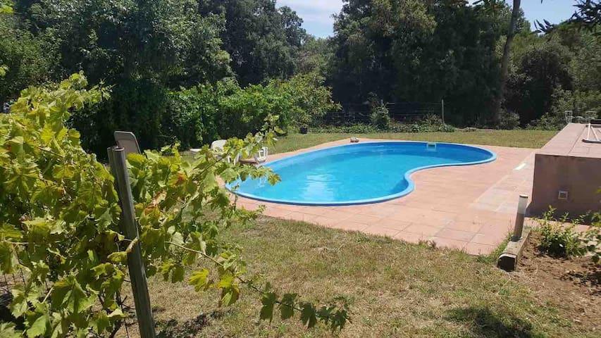 Casa en plena naturaleza con piscina