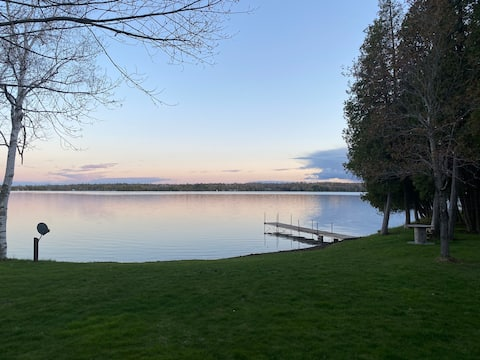 Waterfront Mink Lake Cottage
