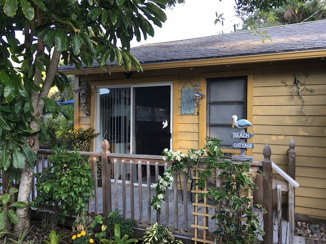 1 bedroom cottage on Siesta Key