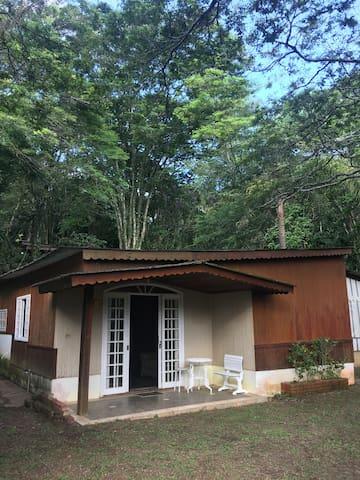 Casa de campo propriedade fechada c/ lazer complet - Cabreúva