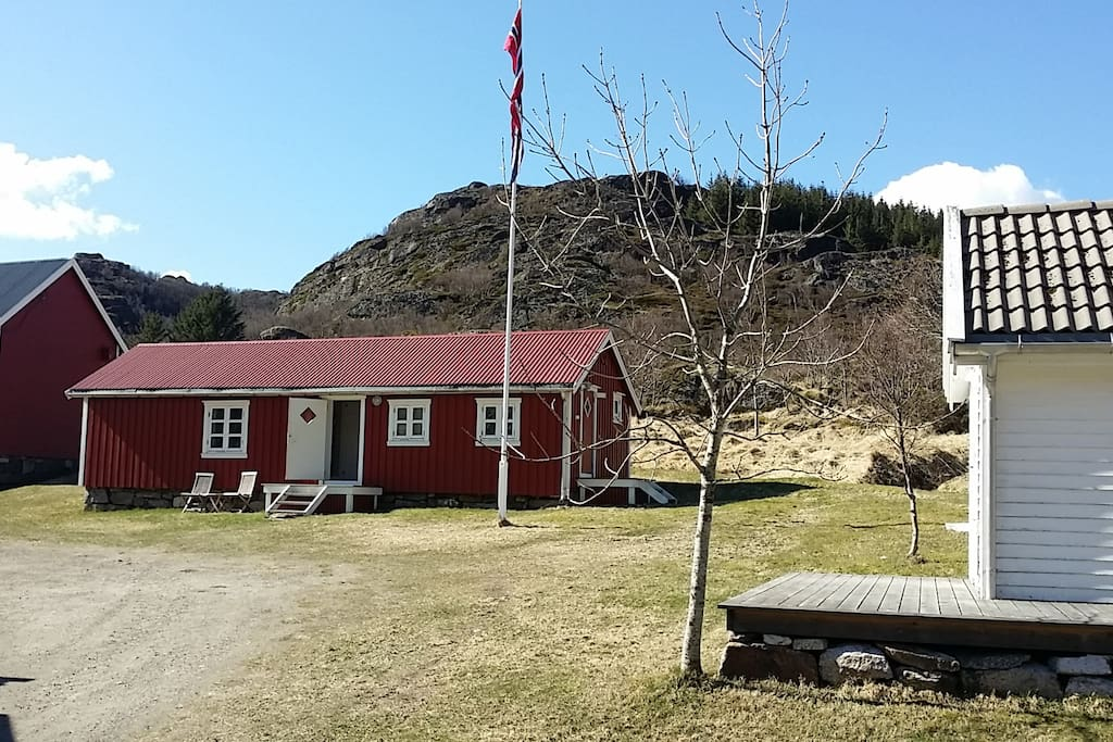 This Rorbu (Fishermans Cabin) is genuine and more than 150 years old. It has been restored and is highly comfortable to stay in.