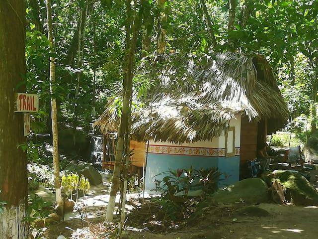 Cabaña con Vista al Río.