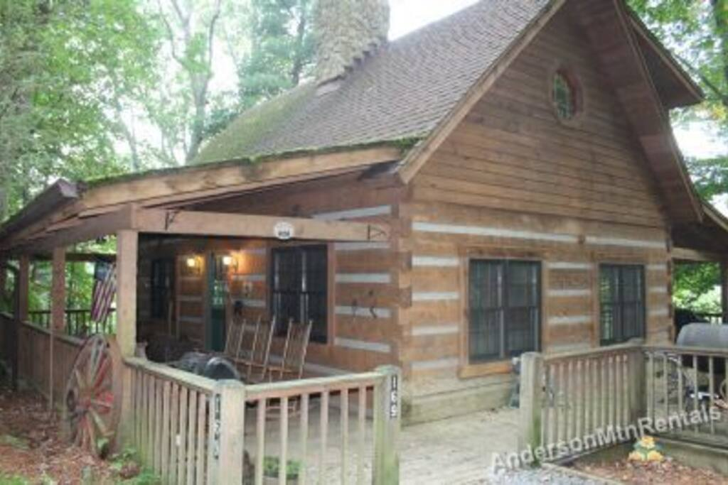 Cherry haven hot tub historic valle crucis cabins for - 4 bedroom cabins in north carolina ...
