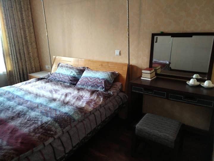 三室两厅中的您的卧室