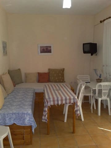 Apartment with double bed - Dhërmi - Apartment