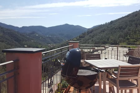 Terrace on the village 2 km from the sea - Levanto - Hus