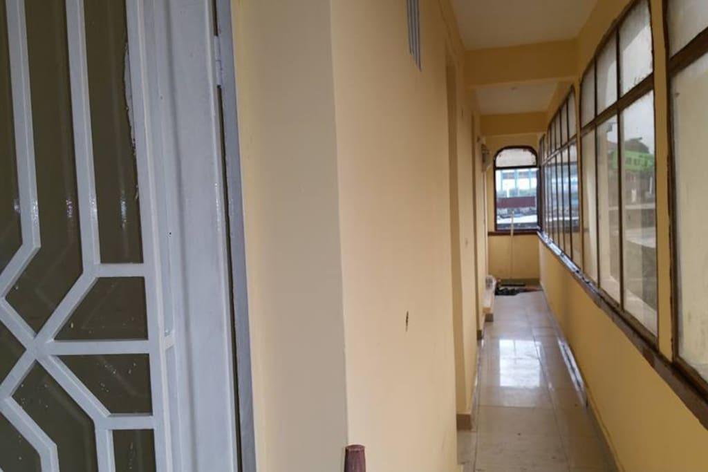 Hallway/ couloir