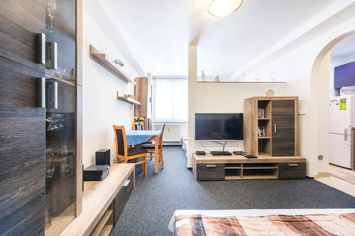 A cozy apartment just minutes from the center