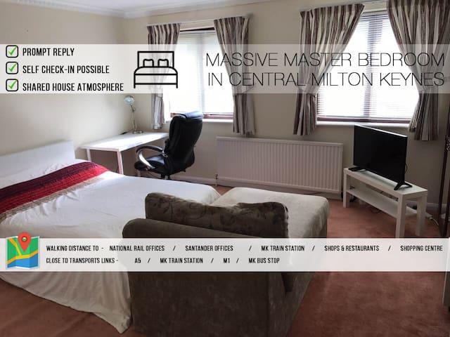 Massive Master Bedroom With En-suite In Central MK