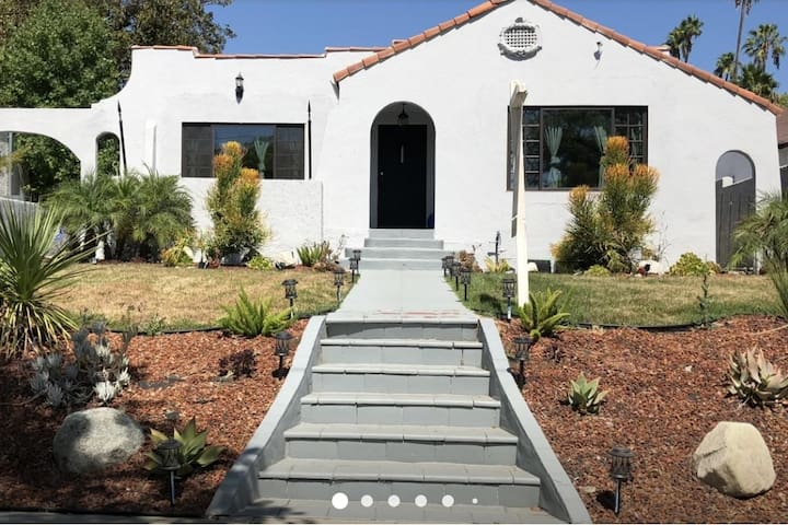 LOW PRICES House Prime Area Safest City Glendale !