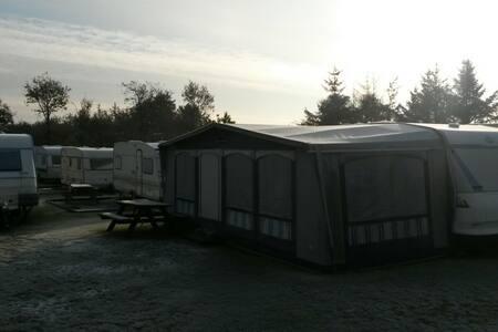 Wohnwagen, Nähe Henne Strand - Henne