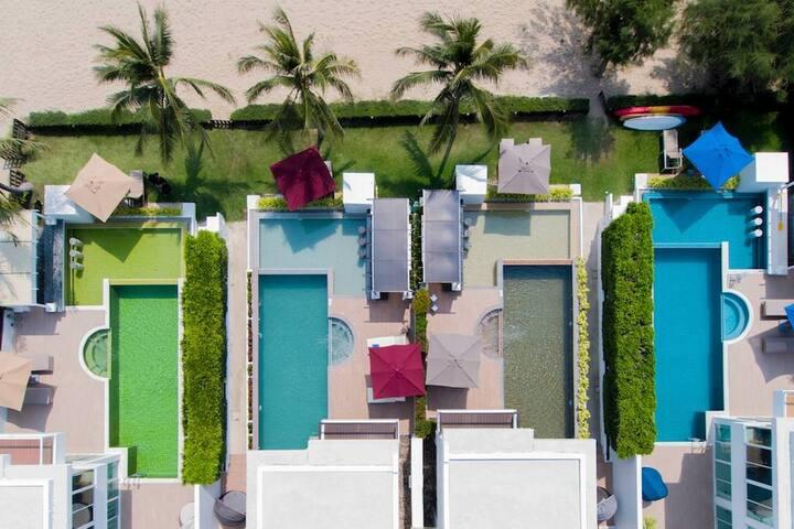 Beachfront Pool Villa Combo - 4+4 bedroom