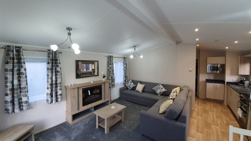 3 Bed Mulberry Lodge-Lodge-Private Bathroom
