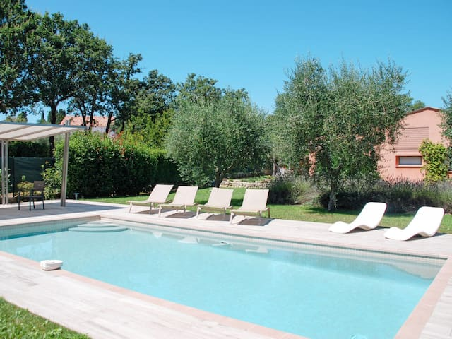Holiday home in St. Cezaire-sur-Siagne with amazing garden and pool area