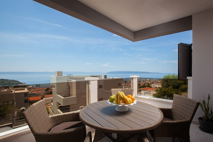 A&Z New SeaView 1 bedroom apartment w/balcony