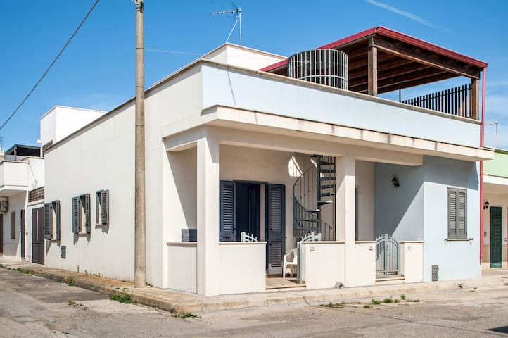 Quiet apartment in the heart of Torre San Giovanni