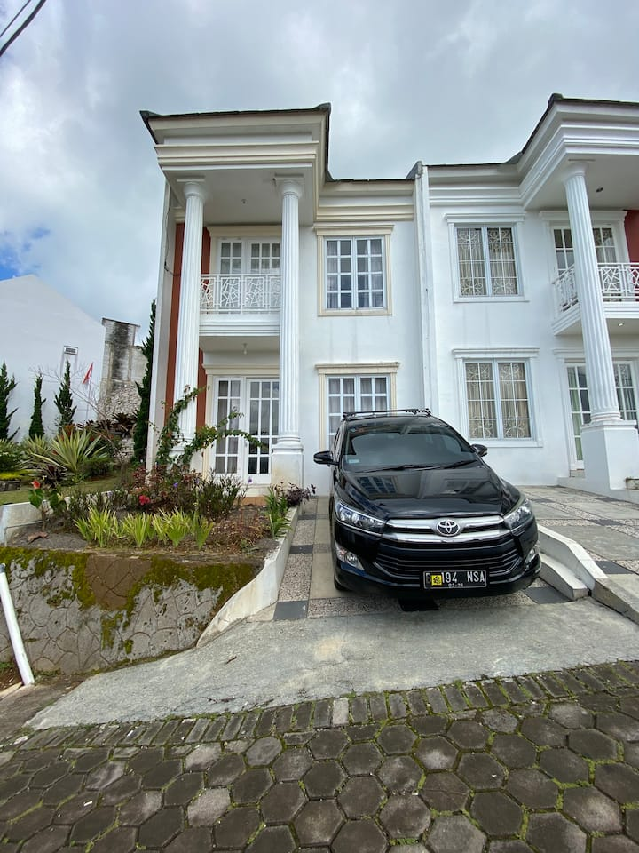 Villa Putih on Blessing Hills Cipanas