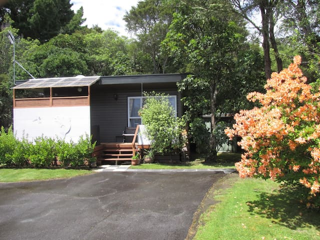 Rainbows End Cottage - Waitahanui