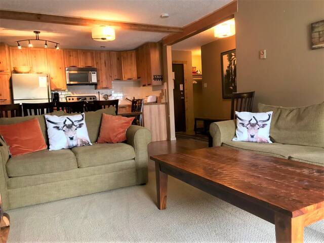 Kimberley Condo-Ski in/Ski out**Summer escape!