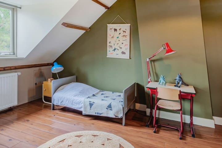 5th bedroom (attic) with single bed.
