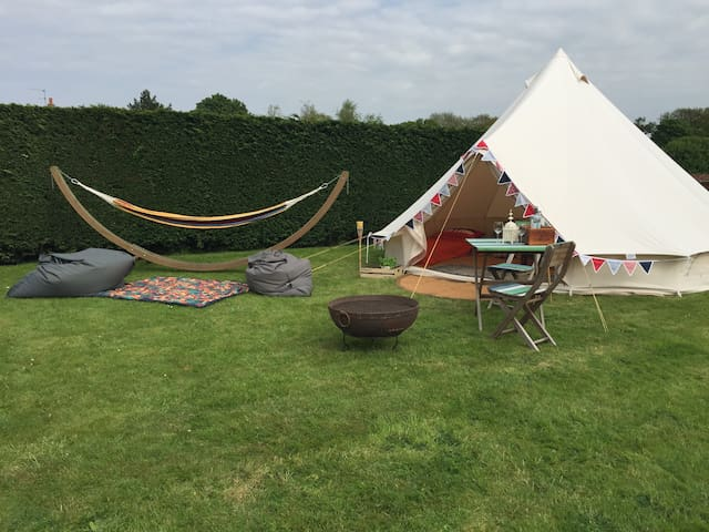 Private Bell Tent Glamping 10mins walk from beach - Hunstanton - Tält
