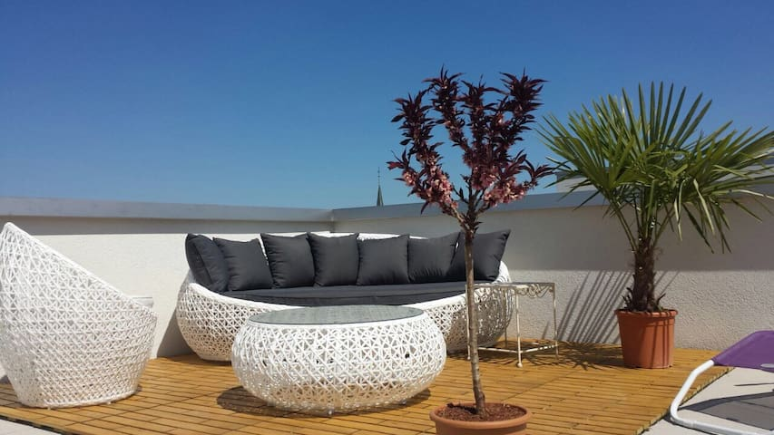 Appart lumineux + grande terrasse - Cugy (FR) - Apartment