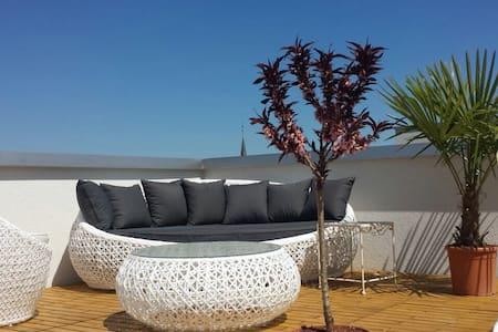 Appart lumineux + grande terrasse - Cugy (FR) - Apartment