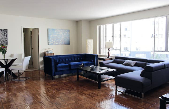 Spacious 2 Bedroom 2 Bath Apt In West Hollywood Apartments For Rent In Los Angeles California United States