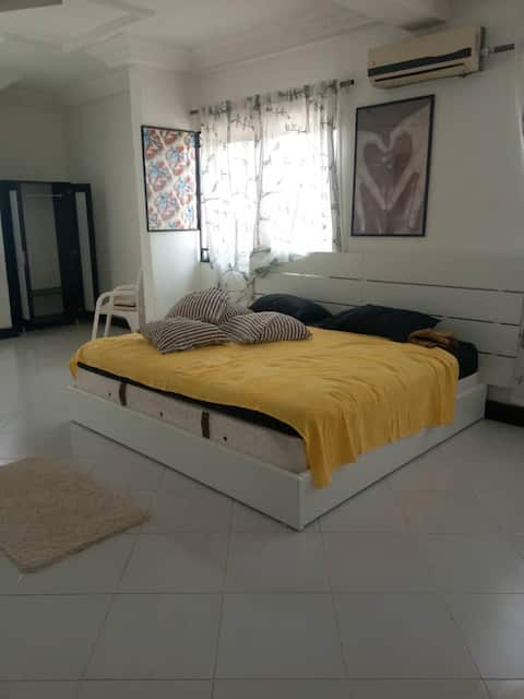 Cozy Ensuite Bedroom in a well crafted Villa